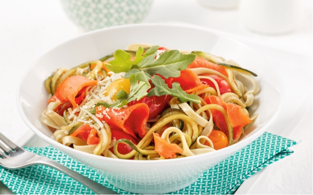 Salmon and green noodles duo