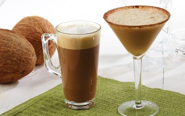 Latte chaud ou glacé à la crème de coco et Tia Maria