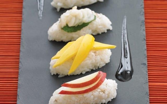 Sushis aux fruits exotiques