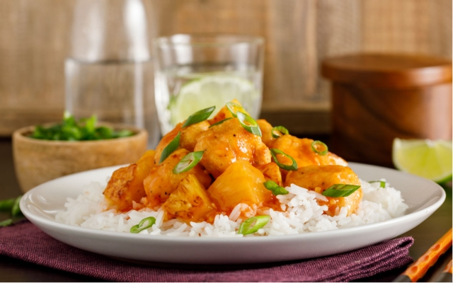 Chicken with ginger and pineapple