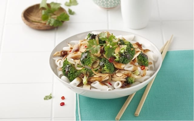Broccoli and almond stir-fry with noodles