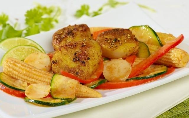 Sauté thaïlandais aux pétoncles et à la citronnelle